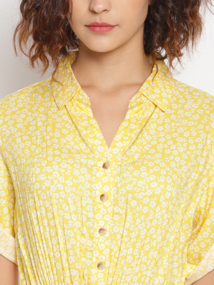 Yellow-Ditsy-Floral-Printed-Fit-and-Flare-Dress 4